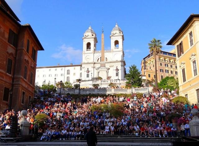 Площадь Испании: Испанская лестница и церковь Тринита-деи-Монти