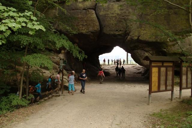 Cкальные ворота Кушталь (Kuhstall)