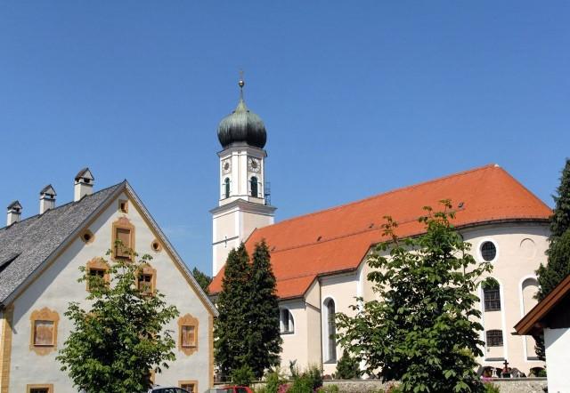 Церковь святых Петра и Павла (Pfarrkirche St. Peter und Paul)