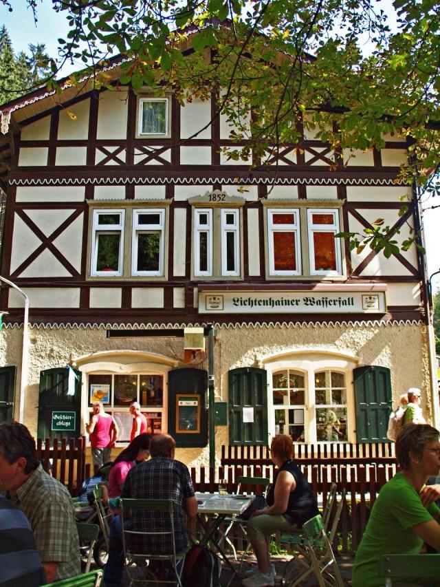 Ресторан рядом с Лихтенхайнским водопадом
