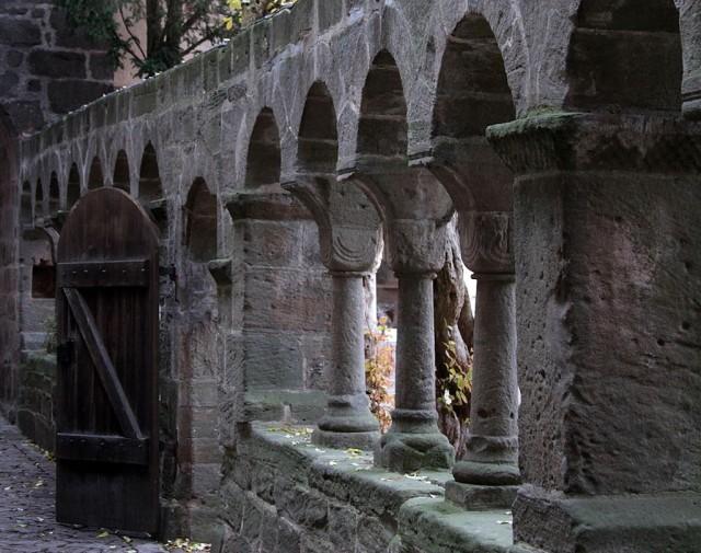 Романский монастырь