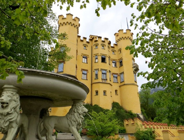 Замок Хоэншвангау (Schloss Hohenschwangau)
