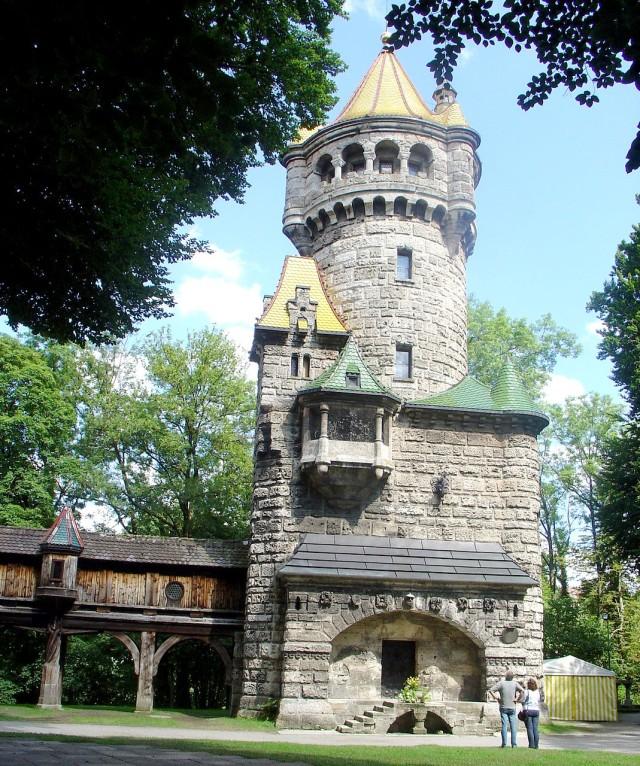 Материнская башня (Mutterturm)