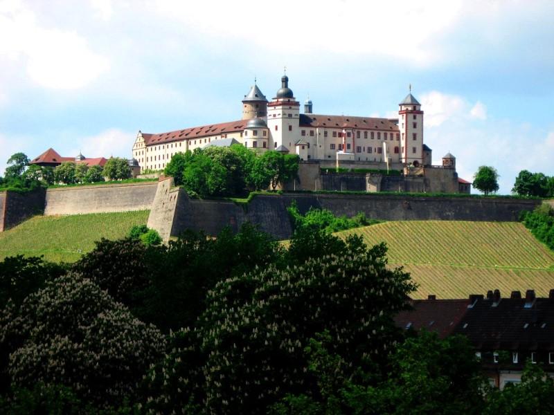 Крепость Мариенберг (Festung Marienberg)