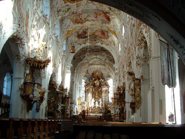 Церковь Рождества Богородицы (Pfarrkirche Mariä Geburt)