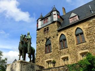 Замок Шлоссбург в Золингене