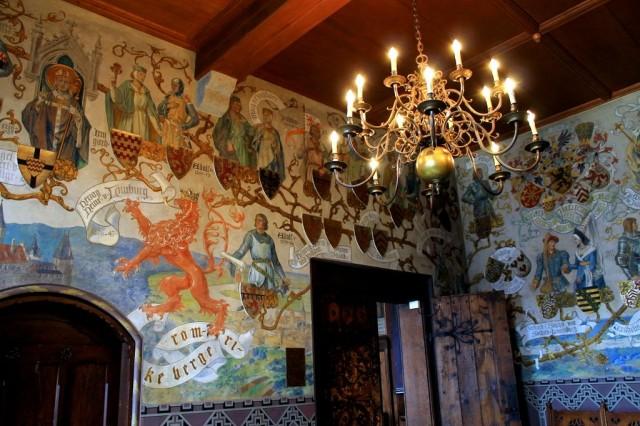 Замок Бург (Schloss Burg)