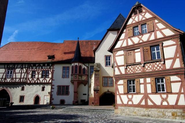 Замок Курмайнц (Kurmainzische Schloss)