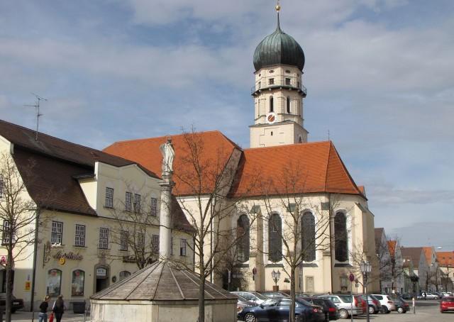 Приходская католическая церковь Успения (Stadtpfarrkirche Mariae Himmelfahrt)