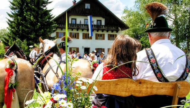 Праздник Leonhardiritt