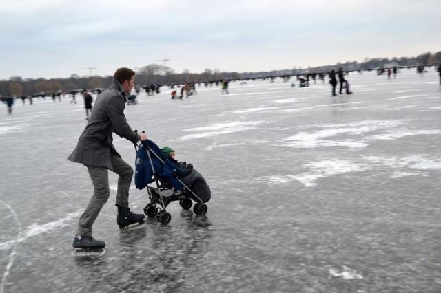 Зимой на озере