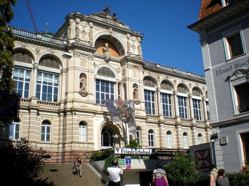 Римско-ирландские бани Friedrichsbad