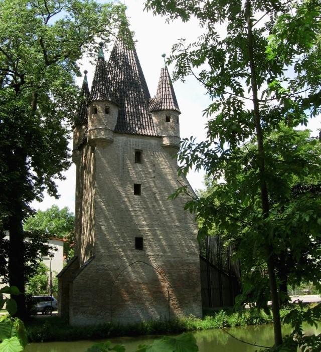 Башня Фюнфграттурм (Fünfgratturm)
