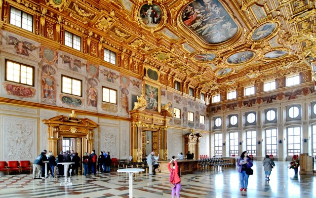 Золотой зал (Goldene Saal)