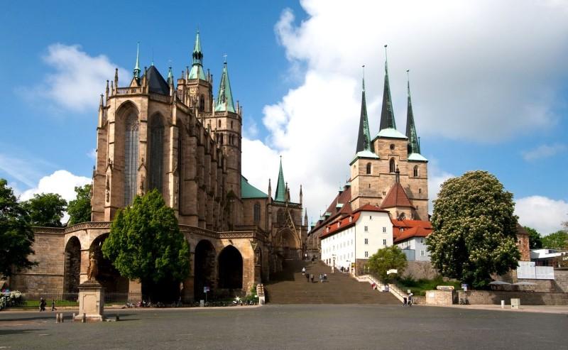 Церковь Святого Северина (Severikirche) и Кафедральный собор (Mariendom)