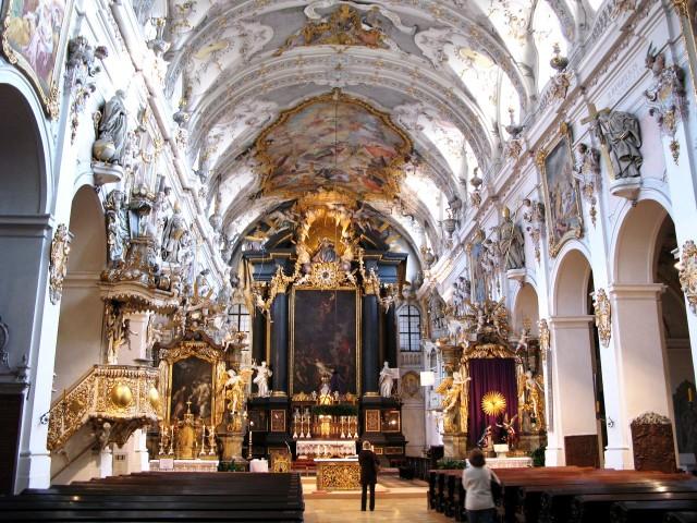 Апсида и алтарь базилики св. Эммерама (1669 г., барокко)