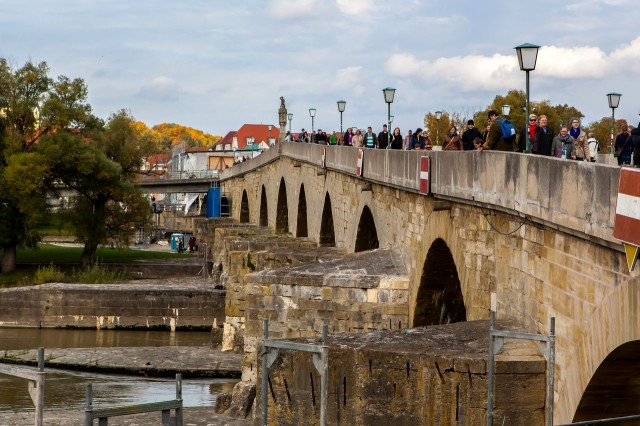 Каменный мост (Steinerne Brücke)