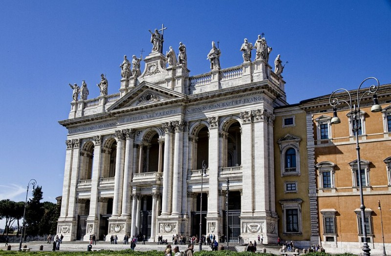 Базилика Святого Иоанна Крестителя на Латеранском холме (Basilica di San Giovanni in Laterano)