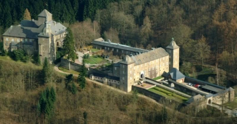 Замок Шнелленберг