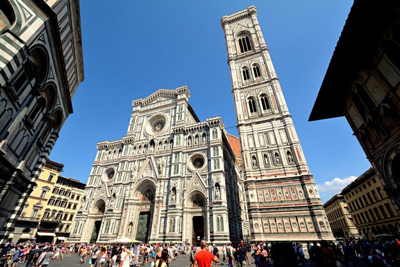 Площадь Дуомо (Piazza del Duomo)