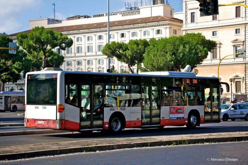 Рейсовый автобус ATAC в Риме