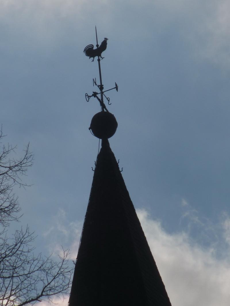 Петушок на церковном шпиле