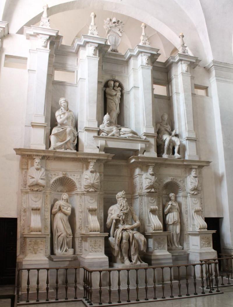 Усыпальница папы Юлий II
