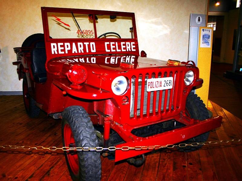 Музей государственного полицейского автотранспорта (Museo delle auto della Polizia di Stato)