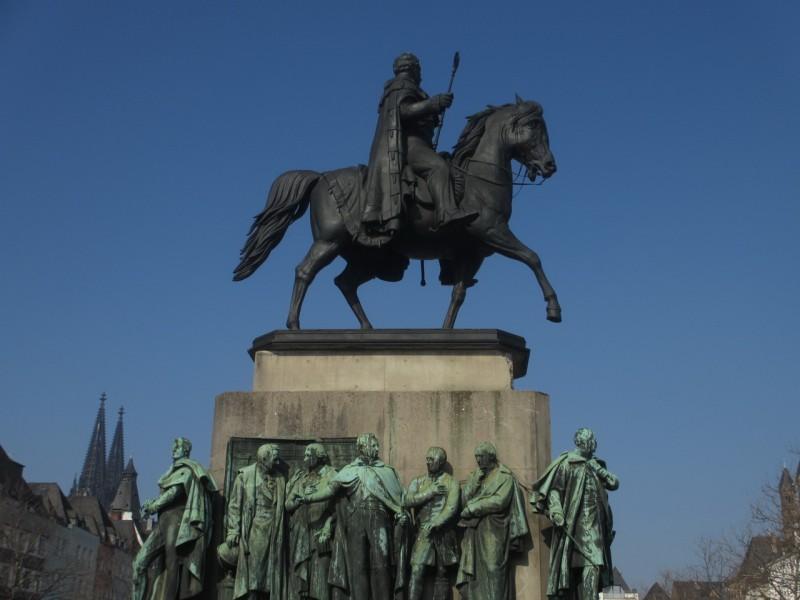 Памятник королю Пруссии Фридриху Вильгельму III