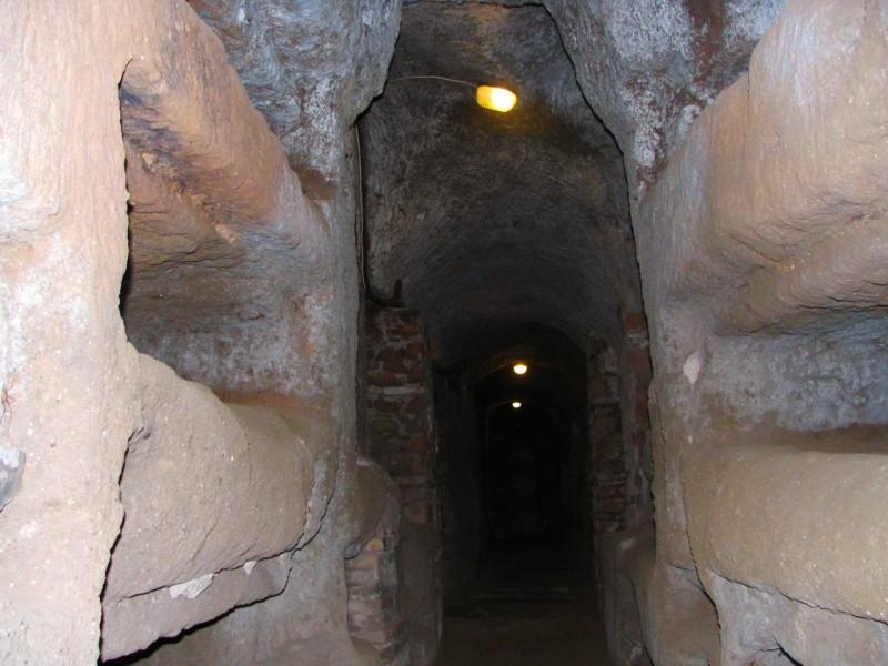 В катакомбах Сан Каллисто