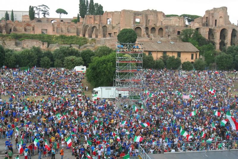 На бывшей древнеримской арене проводятся концерты
