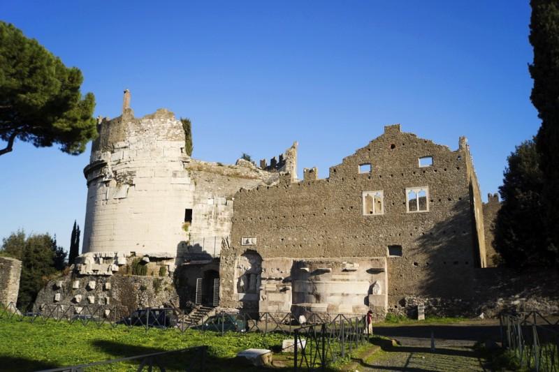 Гробница Цецилии Метеллы и крепость Каэтани