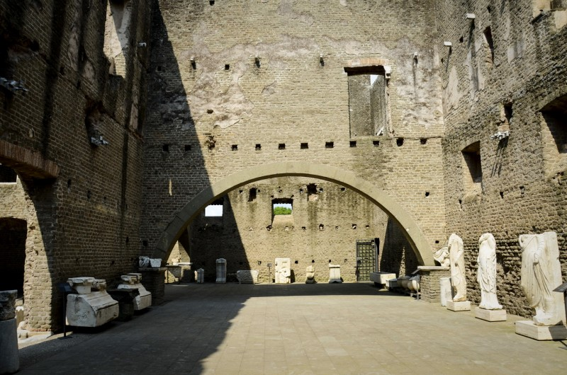 Мавзолей Цецилии Метеллы (Mausoleo di Cecilia Metella)