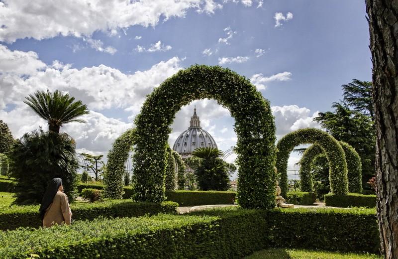 В садах Ватикана