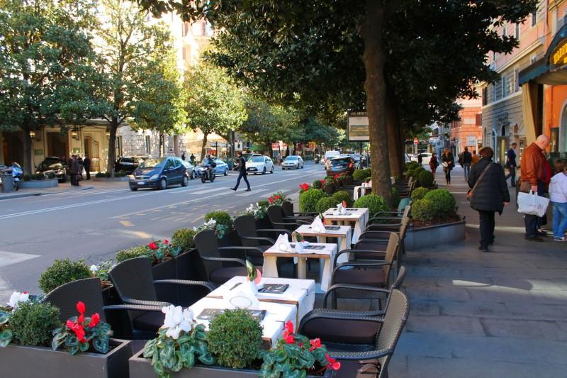 Виа Витторио-Венето — одна из самых роскошных и элегантных улиц Рима