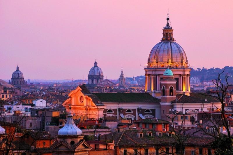 Церковь Иль-Джезу – храм Ордена иезуитов в центре Рима
