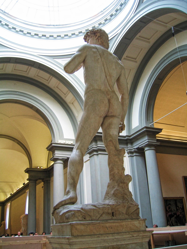 Мраморная статуя Давида  работы Микеланджело