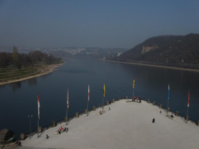 Deutsches Eck – Немецкий угол: справа – Рейн, слева - Мозель