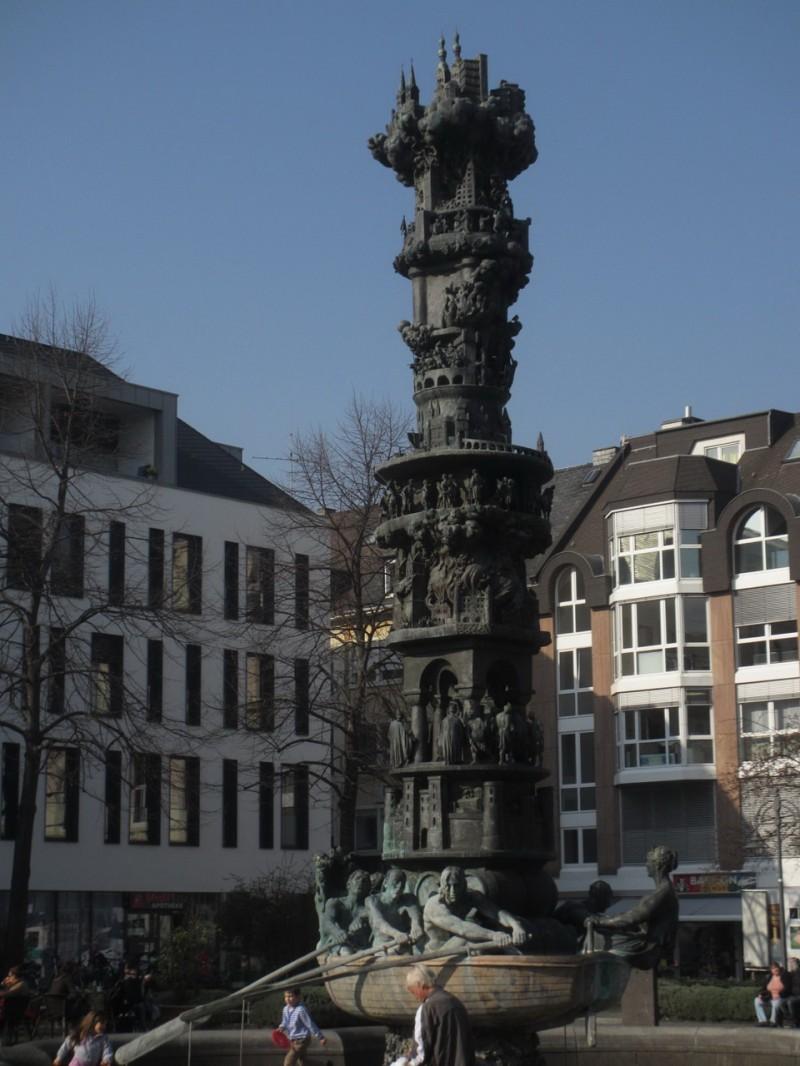 Исторический фонтан в Кобленце