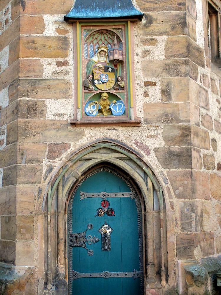 Двери марбургской ратуши