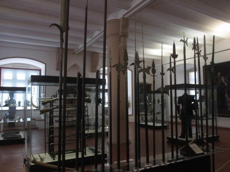 Оружейный зал музея в марбургском замке