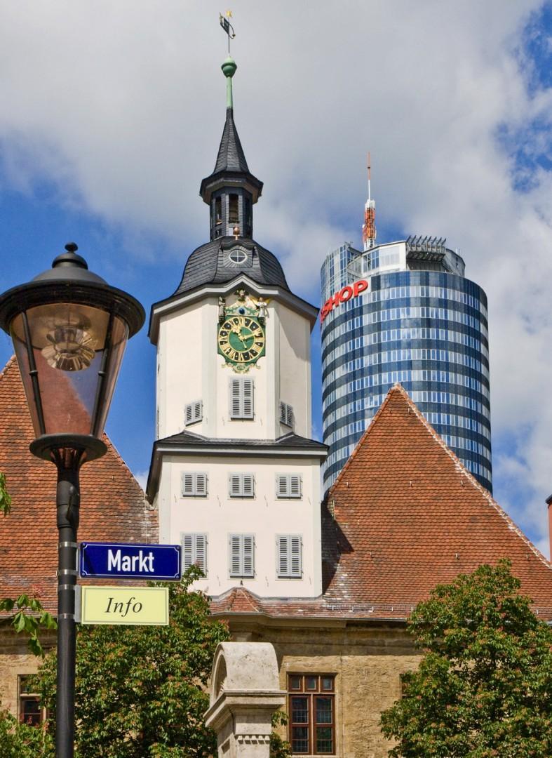 Часы «Schnapphans» на башне ратуши
