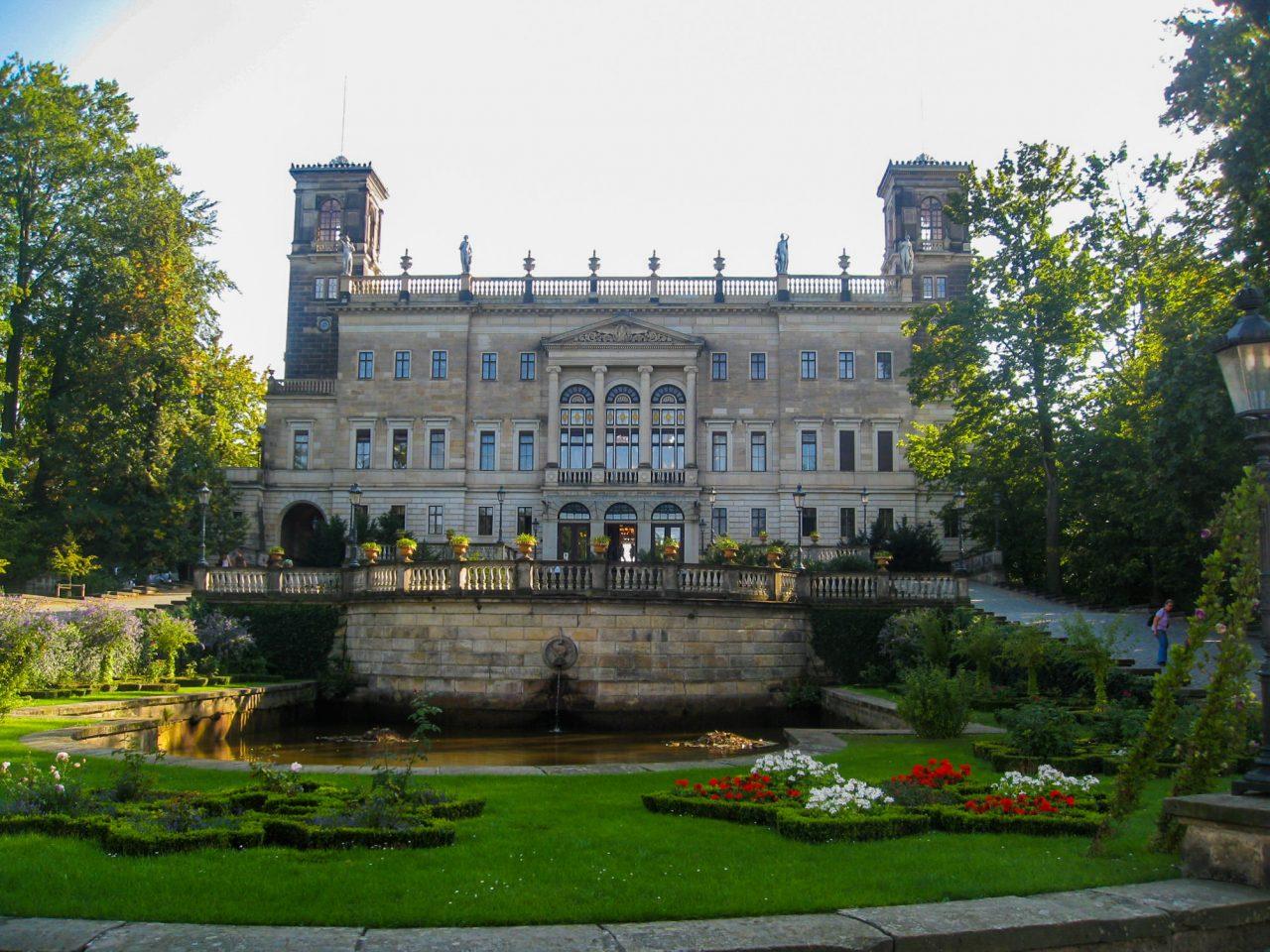 Замок Альбрехтсберг (Schloss Albrechtsberg)