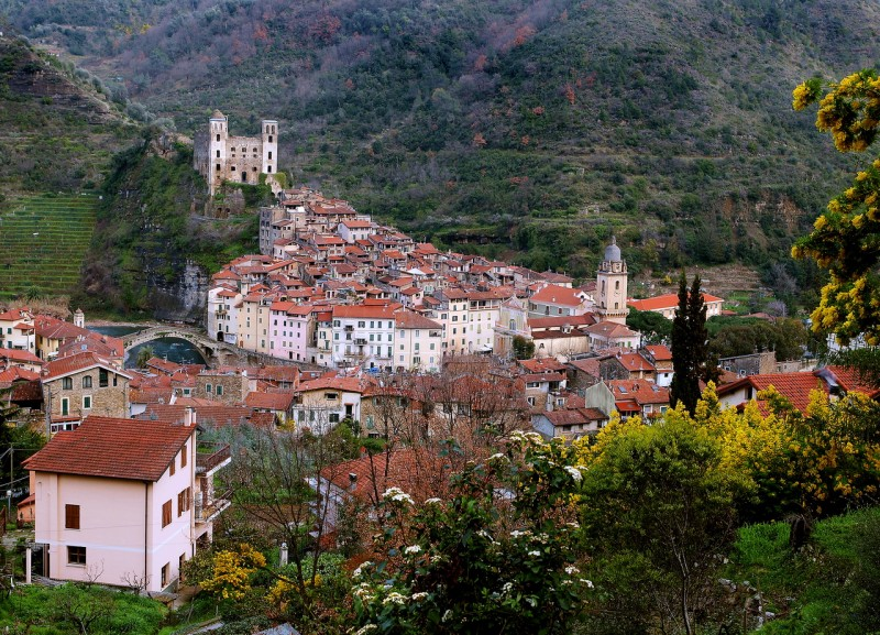 Дольчеаква – каменные лабиринты средневековой горной деревни