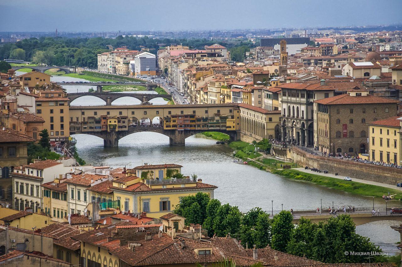 Река Арно и мосты через нее