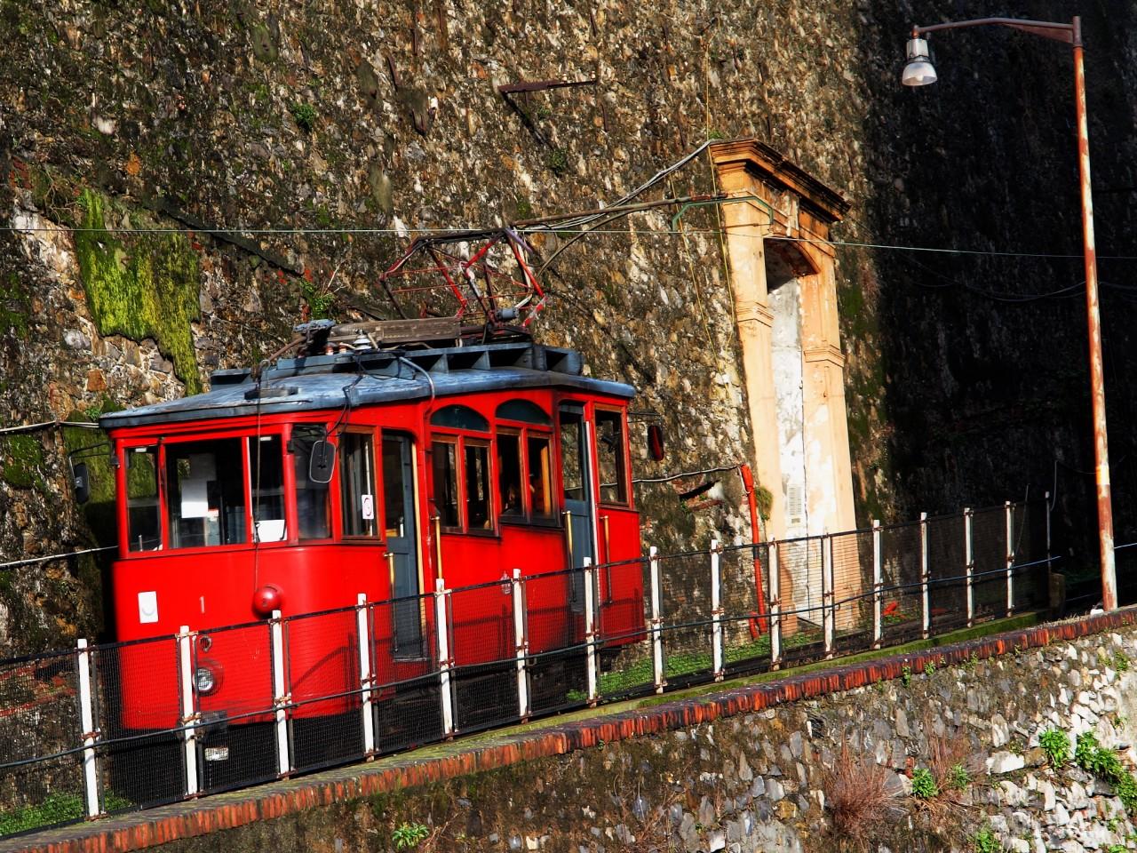 Зубчатая железная дорога в Генуе