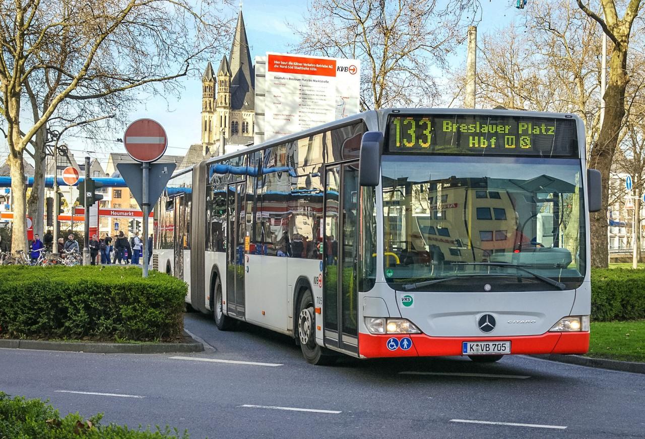 Автобус в Кёльне
