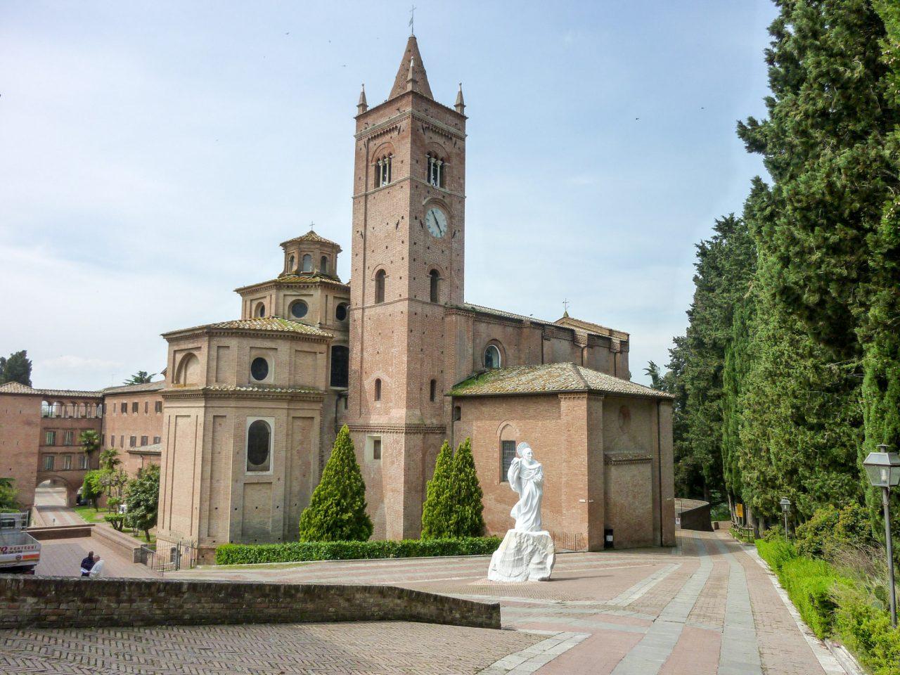 Монте-Оливето-Маджоре (Monte Oliveto Maggiore)
