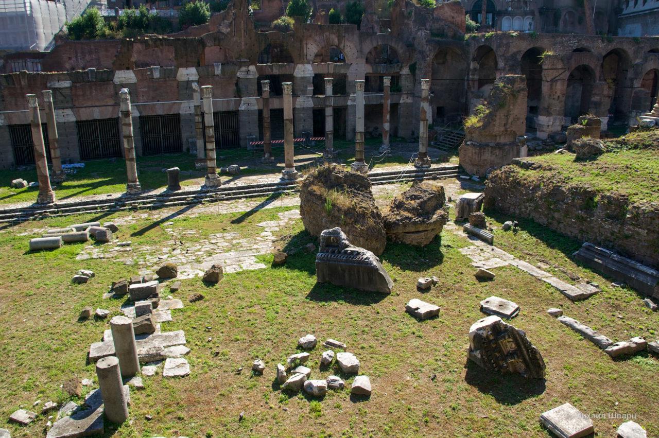 Серебряная базилика (Basilica Argentaria) и арочные галереи