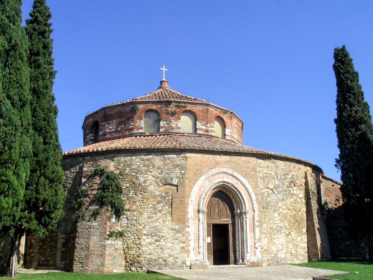 Церковь Св. Архангела Михаила (Chiesa di San Michele Arcangelo)